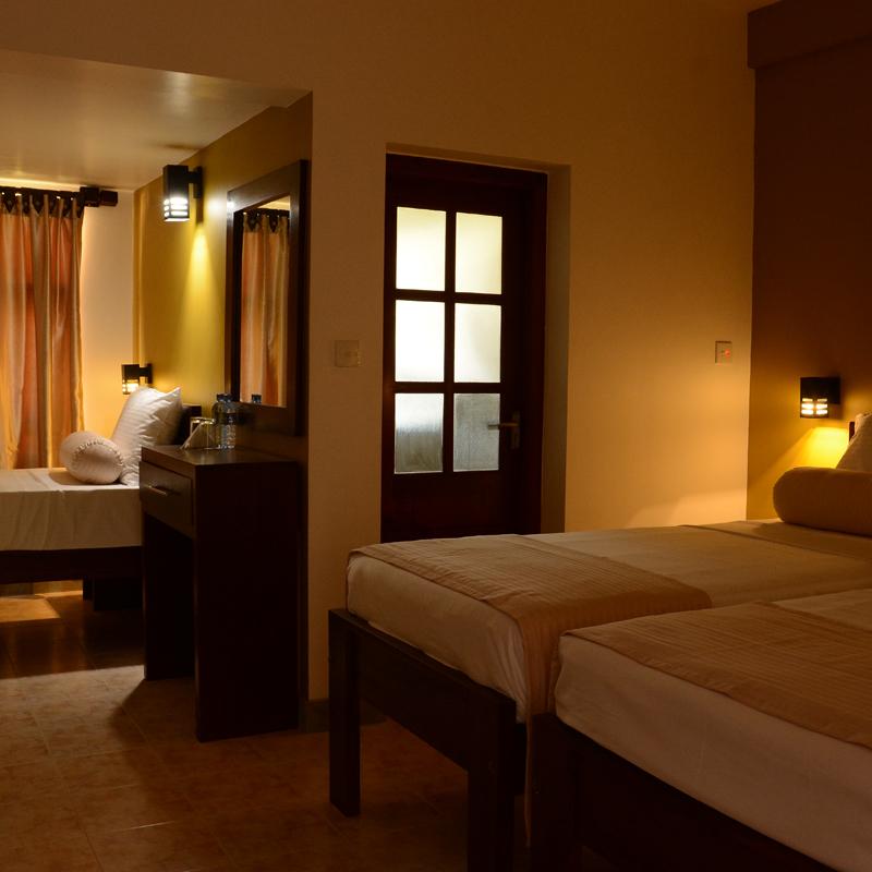 Inlak-hotel-negombo-srilanka-rooms